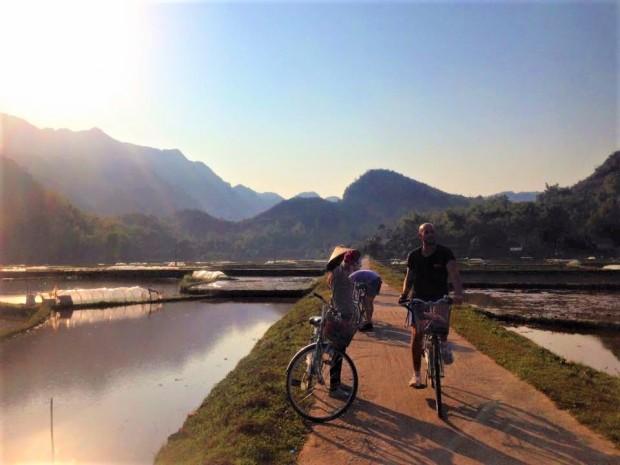 mai chau cycling vietnam