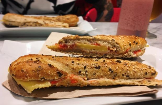 Santoni vegan bocadillo barcelona