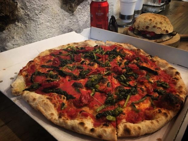 La mezcla Barcelona vegan pizza