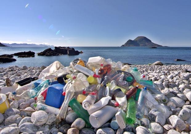 beach plastic marine litter pollution