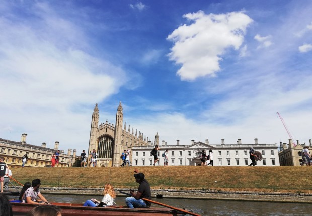 punting_in_cambridge_colleges