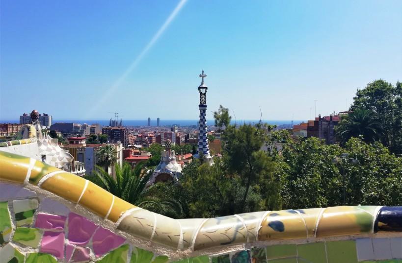 parc_guell_park_barcelona_skyline